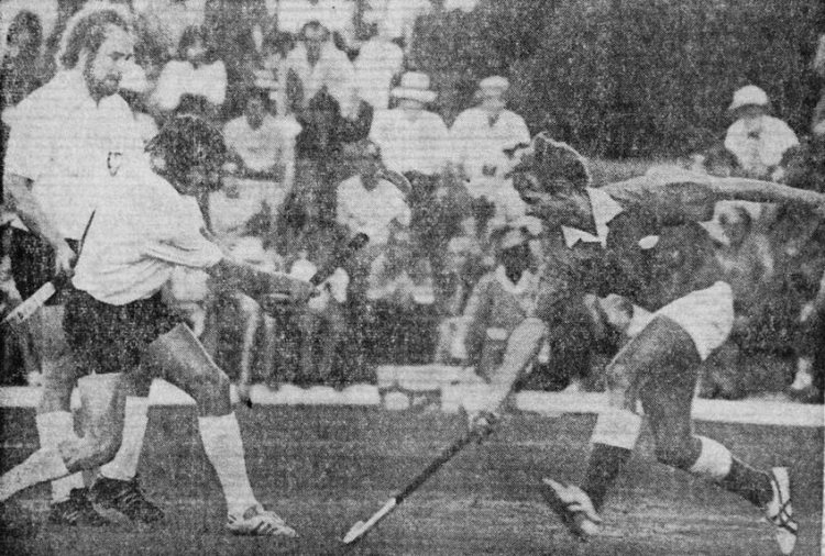 Des playing field hockey for Rhodesia against West Germany at an Uli Vos short corner