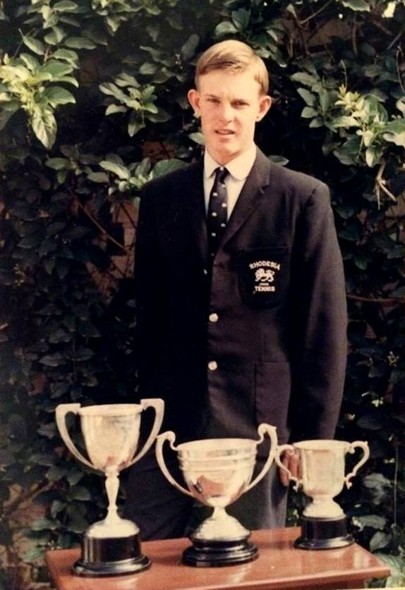 Des was Rhodesian 18's triple champion in tennis in 1968