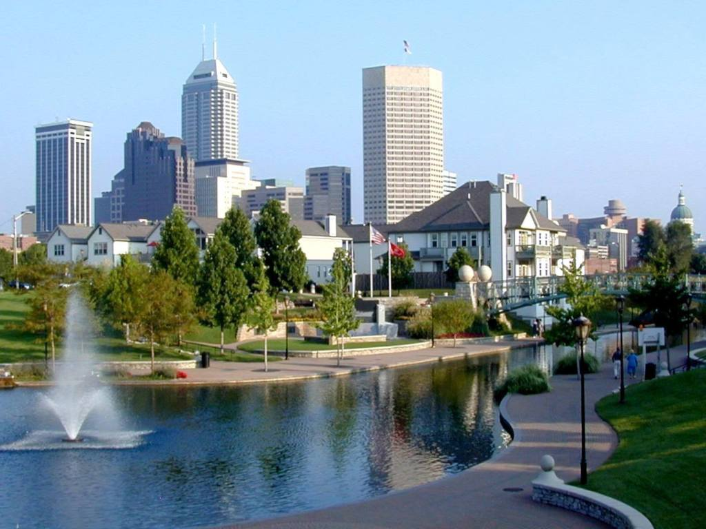 A picturesque scene the canal in downtown Indianapolis