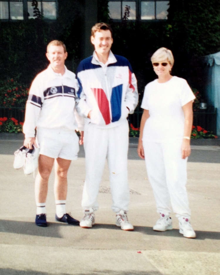 Des with step=brother Colin Dowdeswell and sister Lorna Benkenstein at Wimbledon